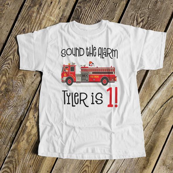 NAME DESIGNER T-SHIRT TSHIRT KIDS CHILDRENS PERSONALISED FIRE ENGINE BIRTHDAY