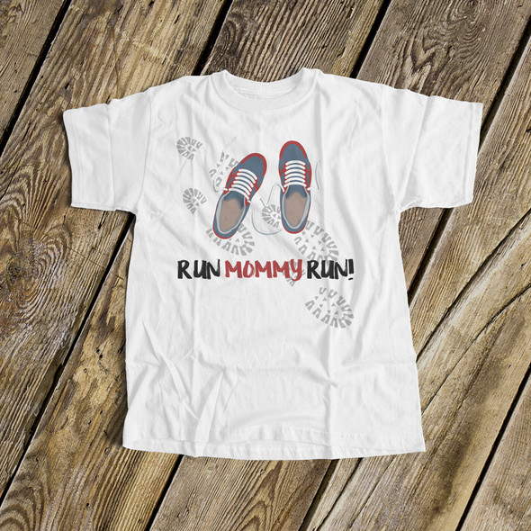 Cheerleader run mommy run daddy run Tshirt