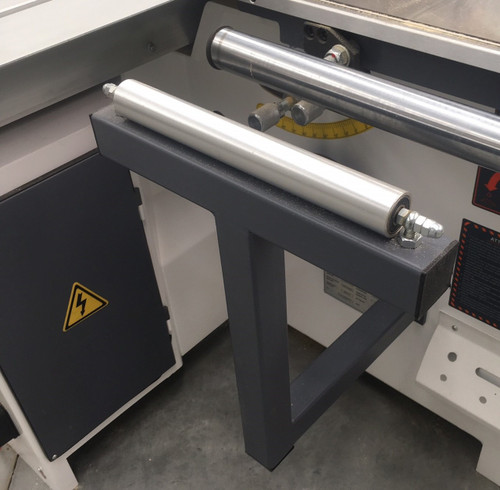 Infeed table rollers as standard