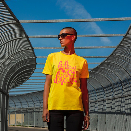 Melting Pot t-shirt in yellow with pink