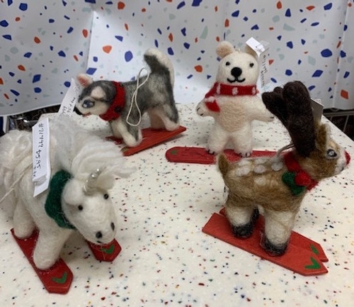 *DEAL* FELT FIGURES ON SKIS OR SNOW BOARD, Tibet Collection