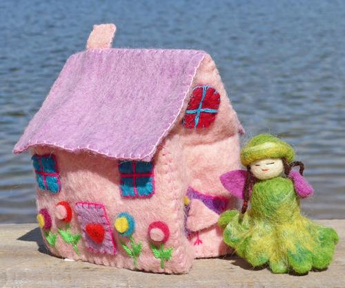 PINK FELT DREAM HOUSE & 1 FLOWER FAIRY, Global Groove