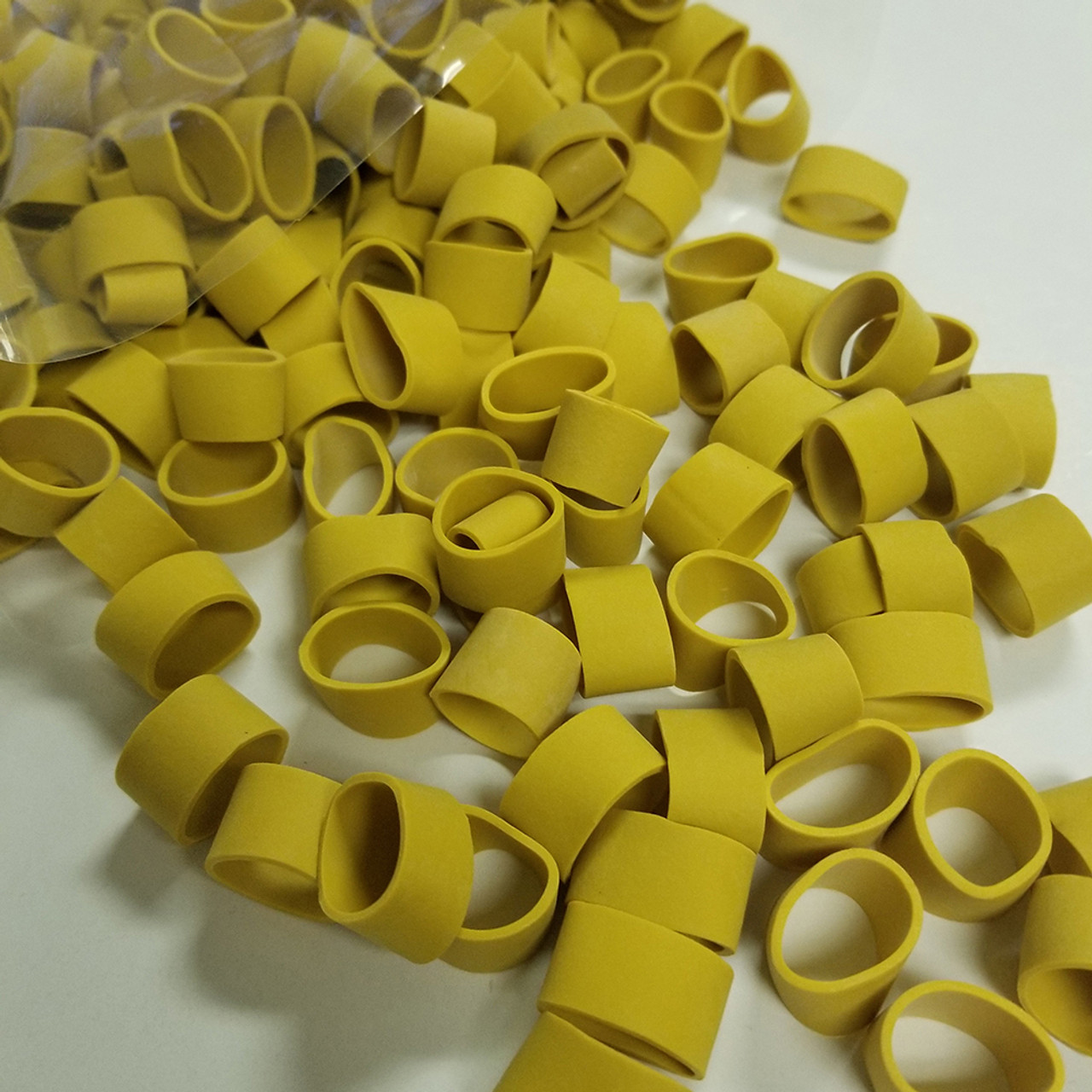 JCS Shedder Lobster Claw Bands and Claw Band Tool Kit 1 LB Bag About 500 PCS. Yellow