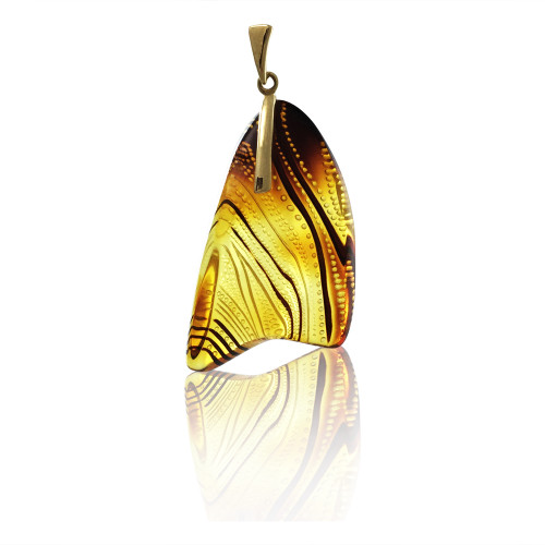 Unique Carved Baltic Amber Pendant in 14Kt Gold - DG503P