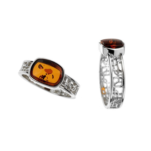Ring in Sterling Silver with Cognac Color Baltic Amber R3268c