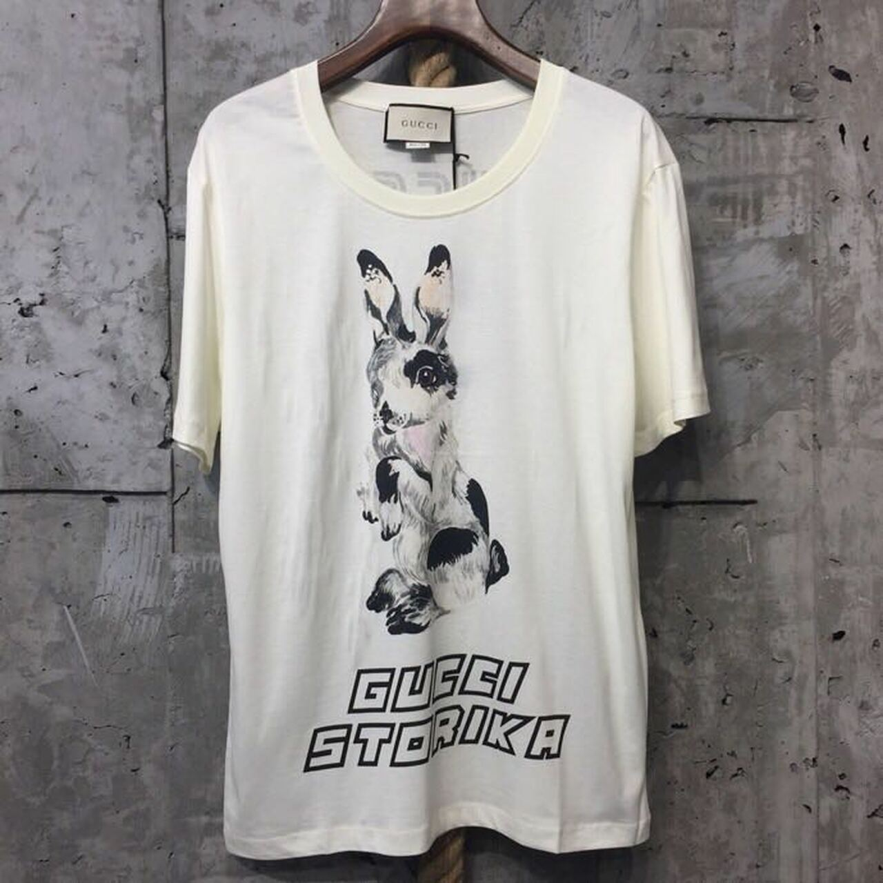 9466aaa7dfad Gucci Storika Bunny Print T-Shirt Mens Cruise 2019 Collection, White ...