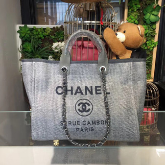 Deauville Tote 40cm Tweed Bag Cruise 2018 Collection, Ash Grey