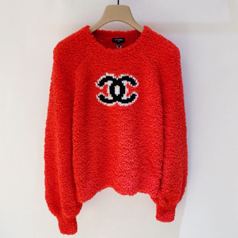 Chanel Large CC Logo Shearling Sweater Fall/Winter 2019 Collection, Red