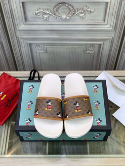 Gucci x Disney Pool Slides Spring/Summer 2020 Collection, Brown