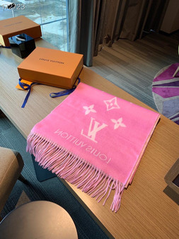 Louis Vuitton Reykjavik Cashmere Shawl Scarf 190cm Fall/Winter 2020 Collection, Hot Pink/White