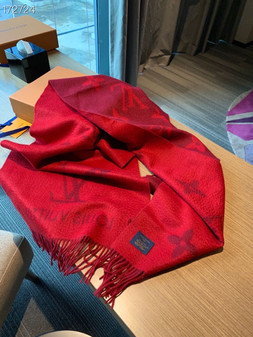 Louis Vuitton Reykjavik Cashmere Shawl Scarf 190cm Fall/Winter 2020 Collection, Red