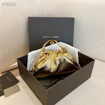 Bottega Veneta The Mini Pouch Shoulder Bag 22cm 585852 Calfskin Leather Spring/Summer 2021 Collection, Metallic Gold