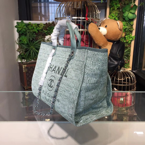 c57262df8b51 ... Deauville Tote 40cm Tweed Bag Cruise 2018 Collection