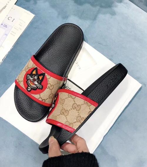 9a327c599 ... GG Supreme Slide with Dog Pursuit Canvas Slide Pool Sandals Spring/Summer  2018 Collection, ...