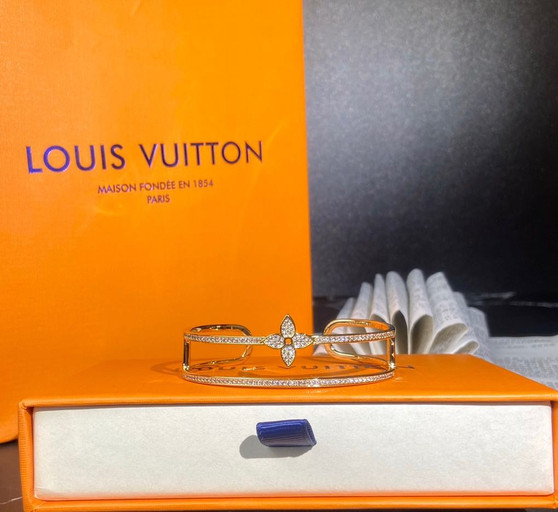 Louis Vuitton Idylle Blossom Two Row Diamonds Bracelet Spring/Summer 2020 Collection Q95813, Yellow Gold