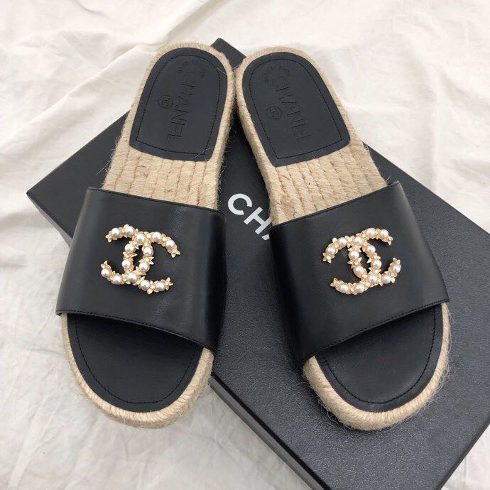 favorable price exclusive shoes marketable Chanel CC Jewel Logo Espadrille Mules Lambskin Leather Spring/Summer 2019  Collection, Black