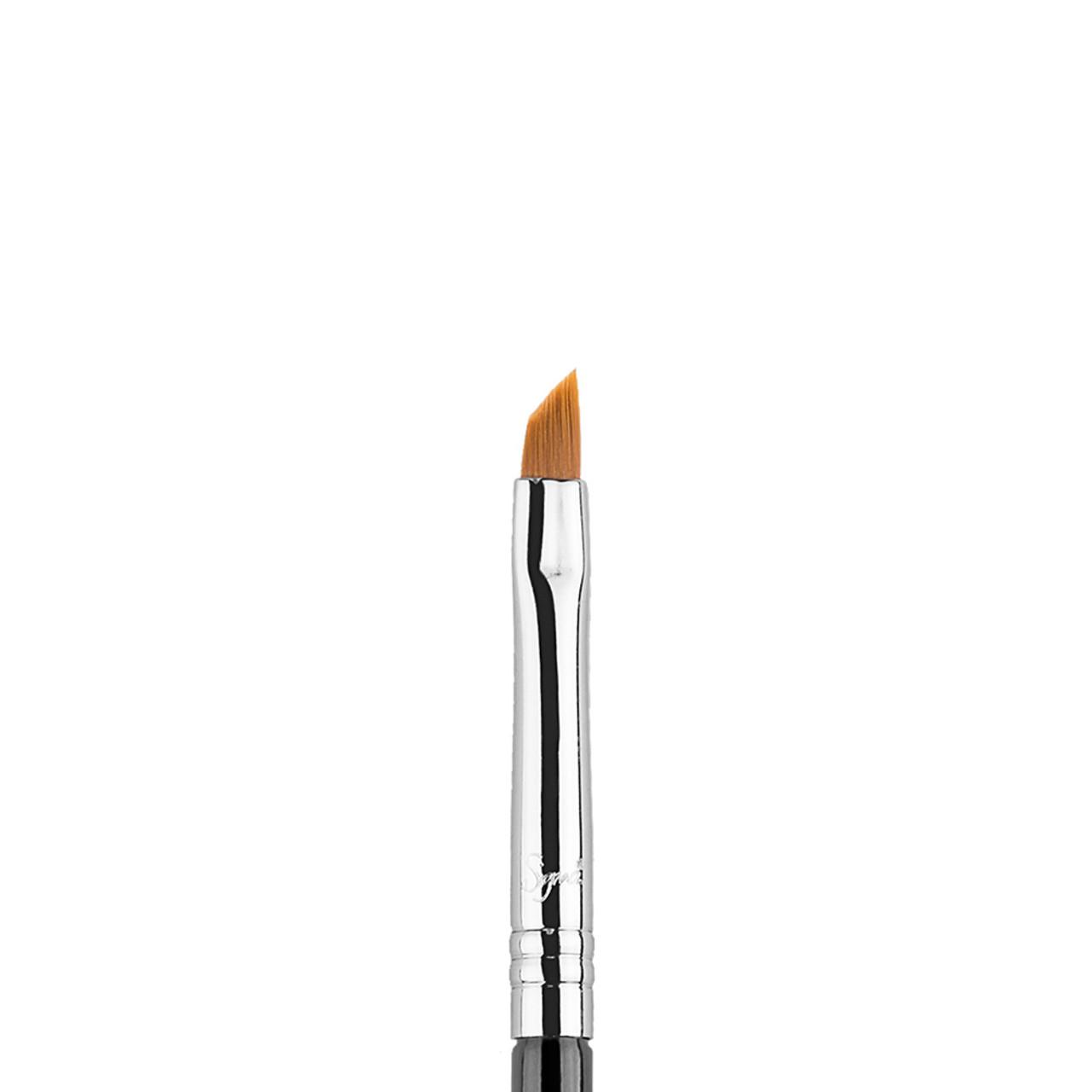 Sigma Beauty E06 - Winged Liner Brush