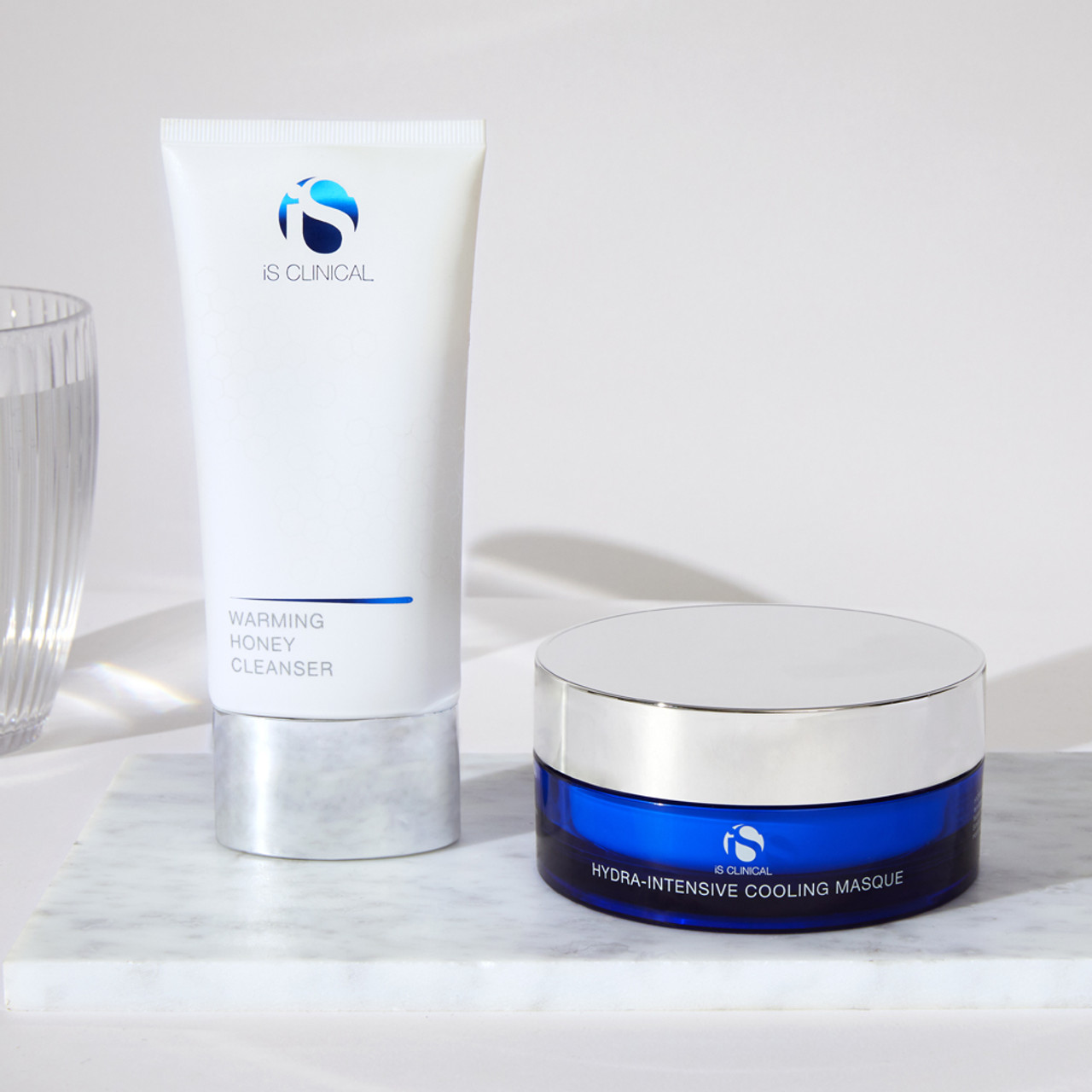 iS Clinical Warm Up, Cool Down Facial Kit
