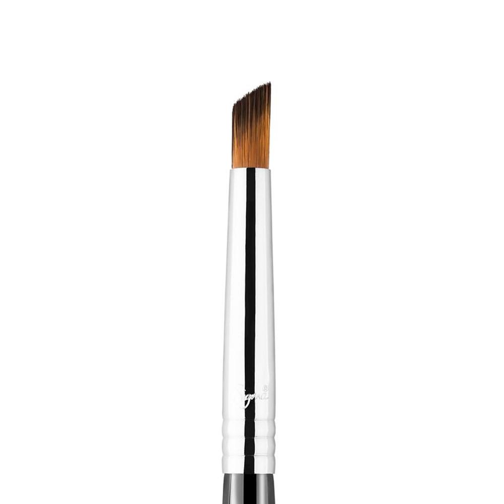 Sigma Beauty F69 - Angled Pixel Concealer Brush In Orange
