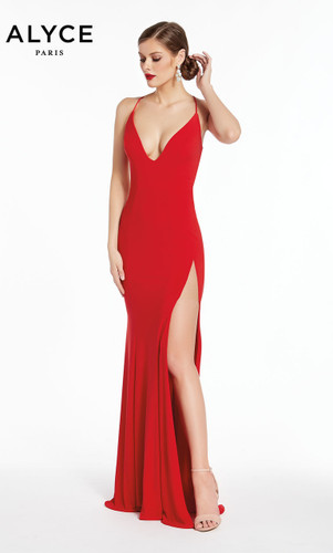 Your Perfect Prom Dress  According To Your Zodiac Sign!
