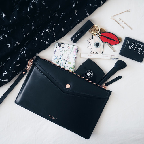 Prom Essentials | 10 Items to pack in your purse