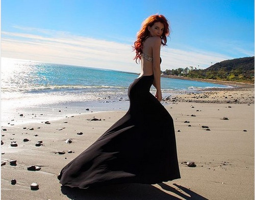 Dani Thorne | Actress  Beautiful Beach Fashion Photoshoot!