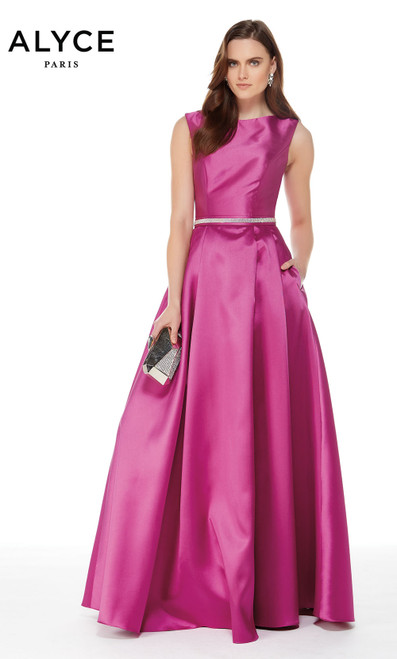 Formal Dress: 27000. Long, Bateau Neckline, Medium Fullness