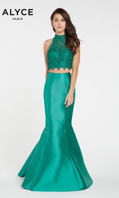 Formal Dress: 60057. Halter, Mermaid, Keyhole Back