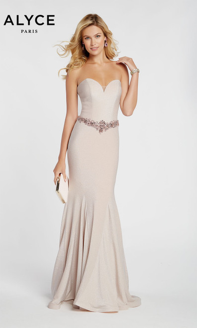 Formal Dress: 60290. Long, Sweetheart Neckline, Mermaid
