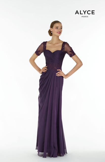 Formal Dress: 29580. Long, Sweetheart Neckline, Flowy