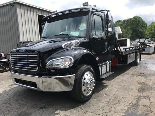 2023 Freightliner M2 extended cab black