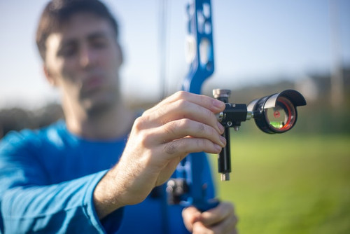Archery Shooting with a Compound Bow Scope | 60X Strings