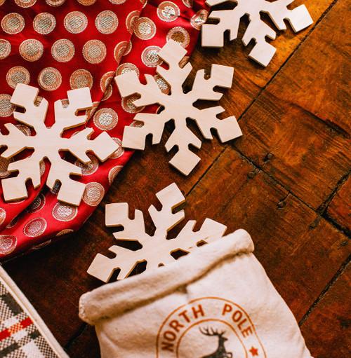 "Snowflake Cutout Small 6""L x 5.2""W"