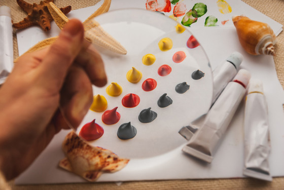 Why you Should Use Acrylic Paint for Painting Wood Crafts