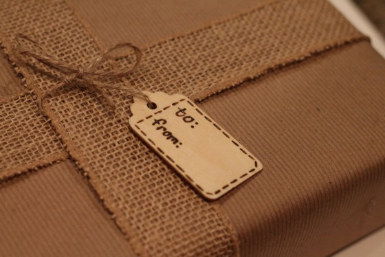 How to Make Customized Wooden Gift Tags