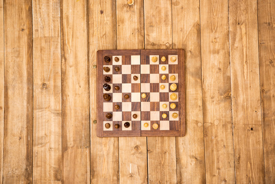 Simple Steps to Make a Wooden Chessboard
