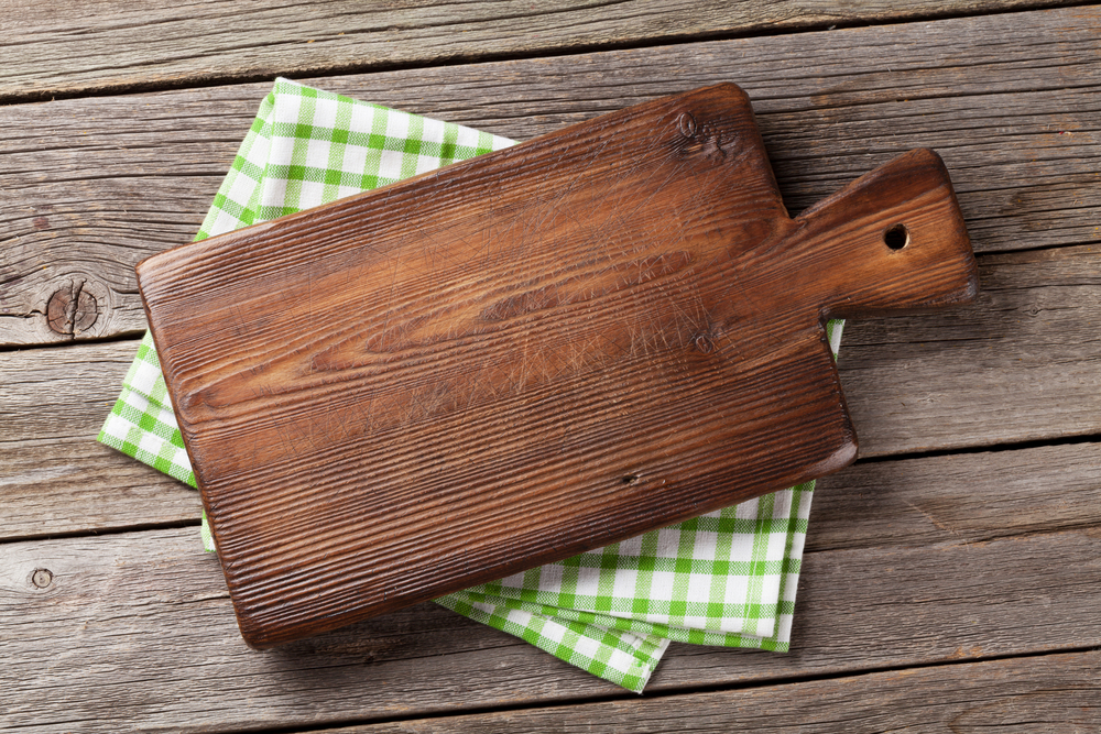 3 Reasons Why Wooden Cutting Boards are Better than Plastic