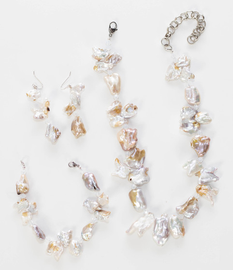 White Freshwater Pearl Necklace Set