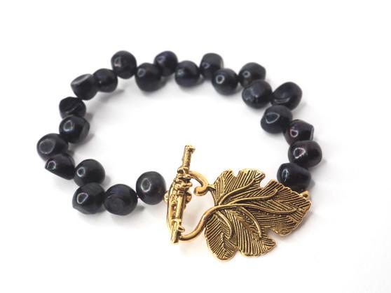 Black Potato Pearl Bracelet w/ Leaf Clasp