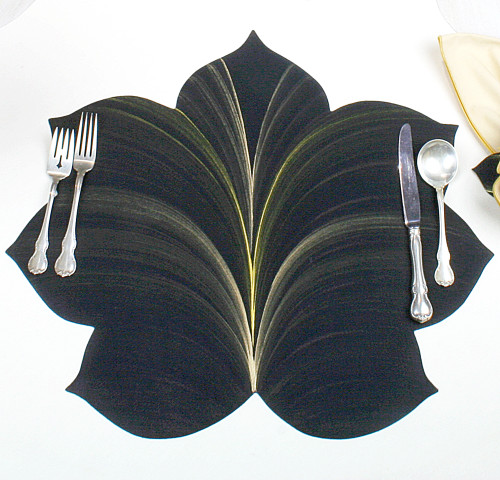 7 Point Fountain Leaf - Black with Gold and Bronze Highlights