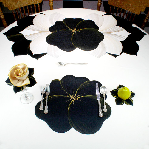 Buttercup Placemat - Black/Gold
