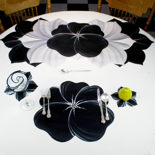 Buttercup Placemat - Black/Silver