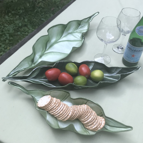 "Medium Peapod Basket,  24 x 8"", shown center in pine/frost.  Stunning on its own, or you may add the small and large by choosing the Trio, which will also nest ~  save!)"