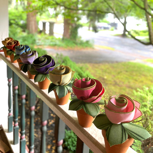 Plant your Bouquet Napkins into little clay pots and set out in a row for a gardener's entertainment! Clay pots not included. (will ship in clay pots for additional charge; call or email for info: 845.339-4646)