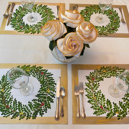 Set of 4 includes 4 placemats, 4 napkins and 4 Rings-to-Coasters.