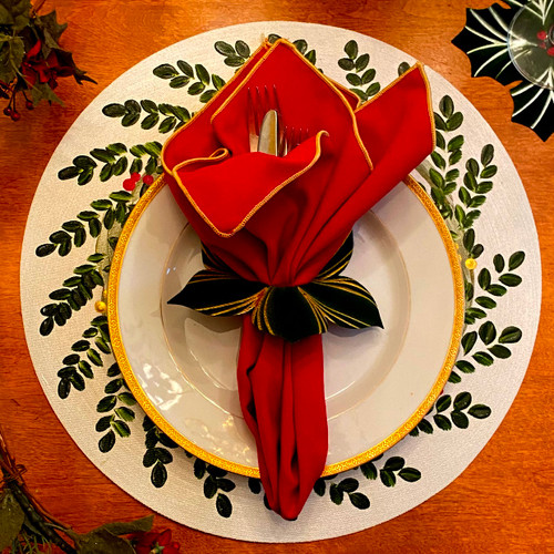 Picture perfect placemat and napkin, leafy ring and silverware! (Plate and Silverware not included:)