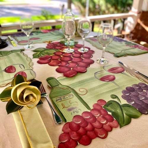 """Collection includes 4 Vinyard Placemats (18Wx14H) Plus One Red Grapes Placemat (20""""w x 16""""H) to center the table."""