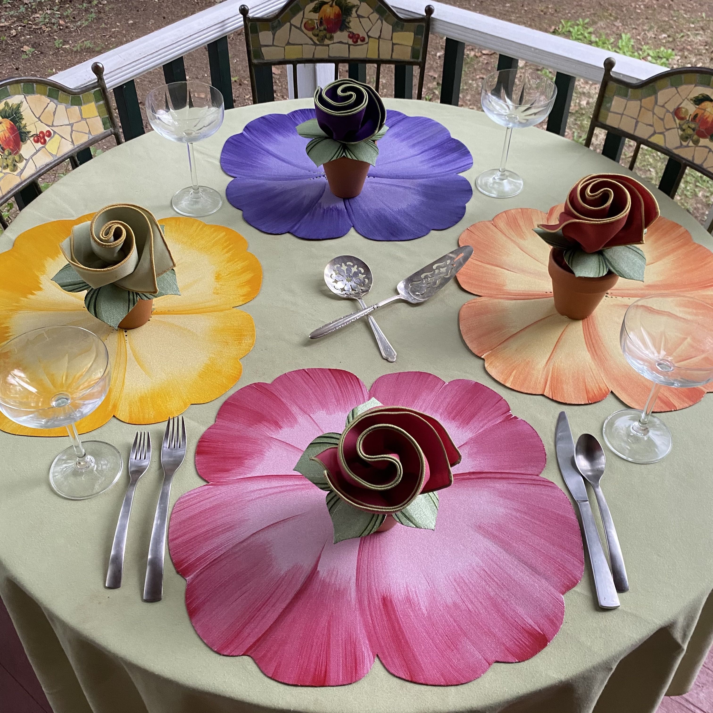 Carole Shiber's Pansy Table