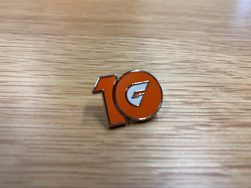 GIANTS 10 Year Pin