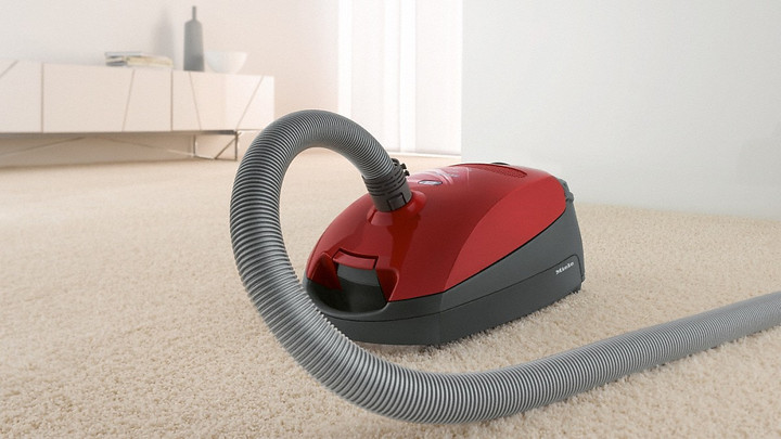 MIELE CLASSIC C1 CAT AND DOG POWERLINE VACUUM CLEANER